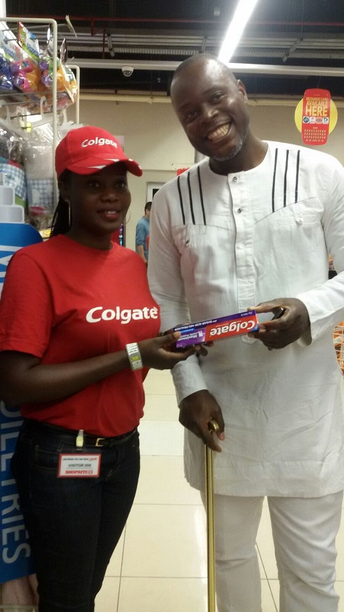 COLGATE IN-STORE ACTIVATION (2)